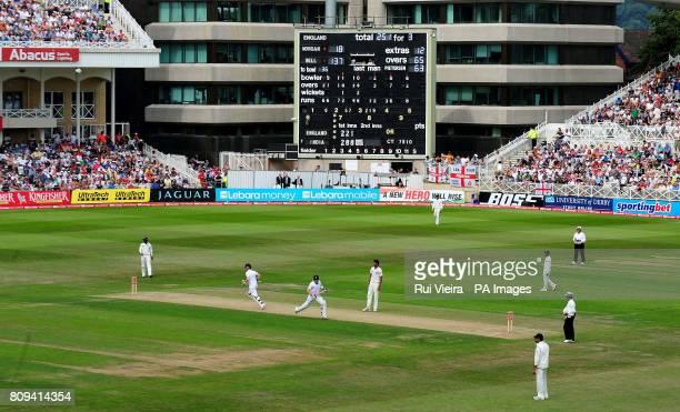 England's Ian Bell and Eoin Morgan make runs during the second npower test match at Trent Bridge, Nottingham.