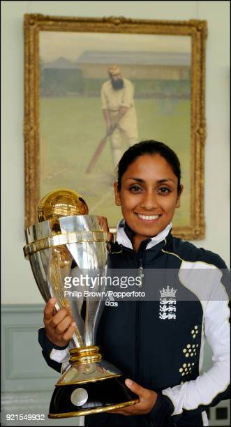 England's Isa Guha with the ICC Women's World Cup trophy at Lord's Cricket Ground London 24th March 2009 England defeated New Zealand in the World...