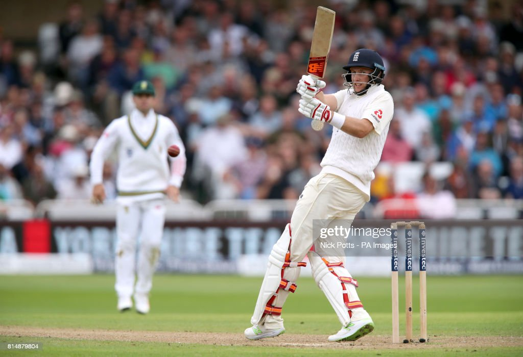 England v South Africa - Second Investec Test Match - Day Two - Trent Bridge : News Photo
