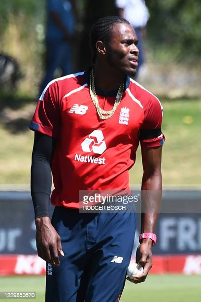England's Jofra Archer prepares to deliver a ball during the second T20 international cricket match between South Africa and England at Boland Park...