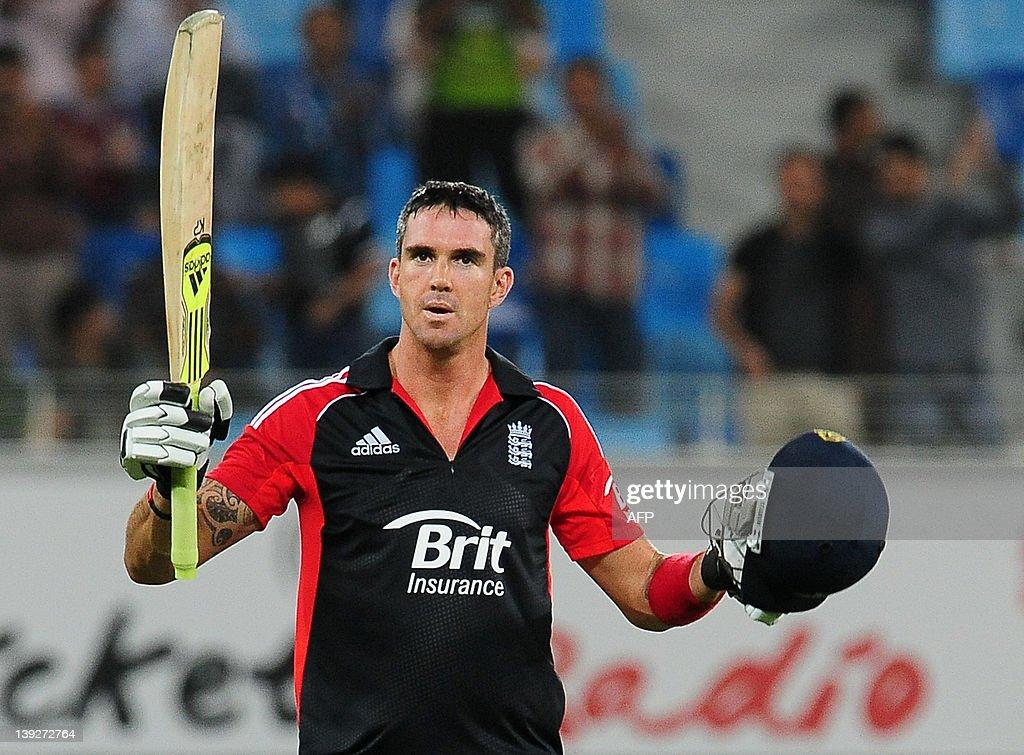 England's Kevin Pietersen raises his bat : News Photo