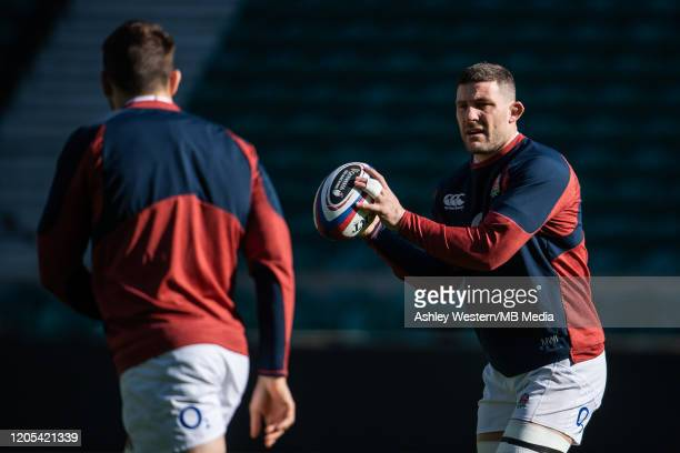 England's Mark Wilson warming up during the Captain's Run at Twickenham Stadium on March 6, 2020 in London, England.