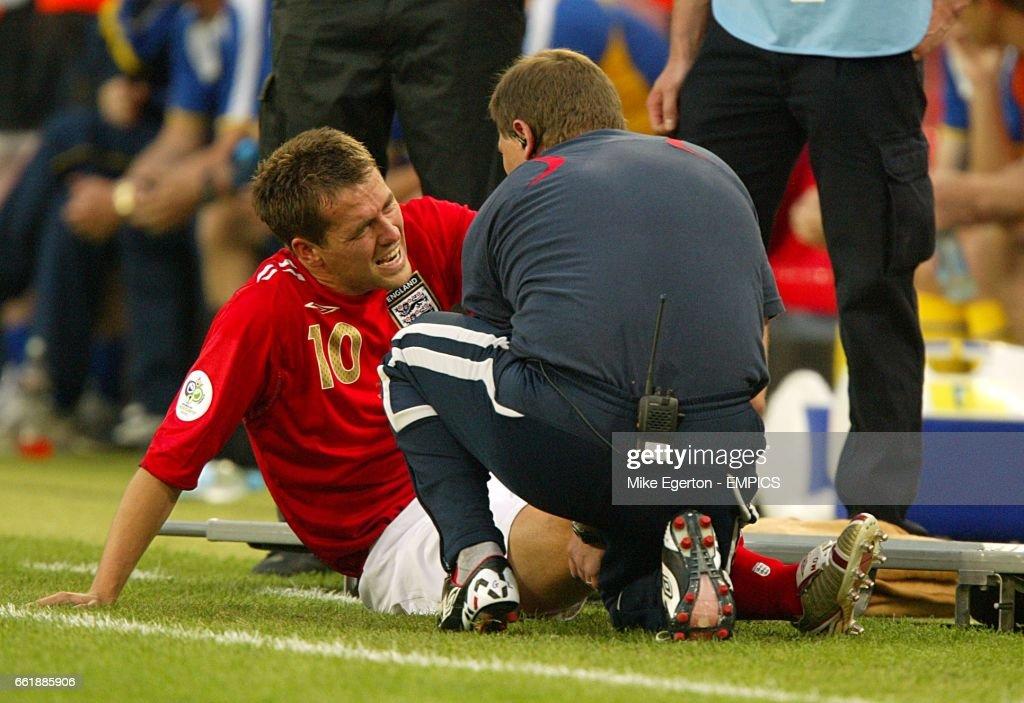 Soccer - 2006 FIFA World Cup Germany - Group B - Sweden v England - RheinEnergieStadion : News Photo