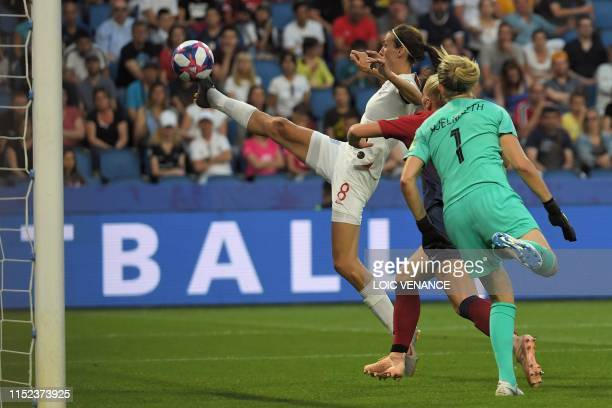 TOPSHOT England's midfielder Jill Scott controls the ball in front of Norway's goalkeeper Ingrid Hjelmseth during the France 2019 Women's World Cup...
