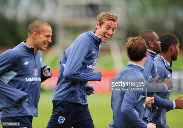 England's Peter Crouch during training with Bobby Zamora