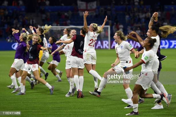 TOPSHOT England's players celebrate at the end of the France 2019 Women's World Cup quarterfinal football match between Norway and England on June 27...