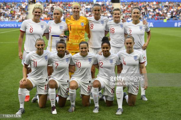 England's players pose ahead of the France 2019 Women's World Cup quarterfinal football match between Norway and England on June 27 at the Oceane...