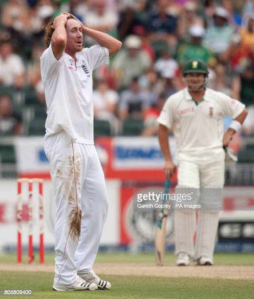 England's Ryan Sidebottom reacts after missing out on dismissing South Africa's AB deVilliers during the fourth Test at Wanderers Stadium...