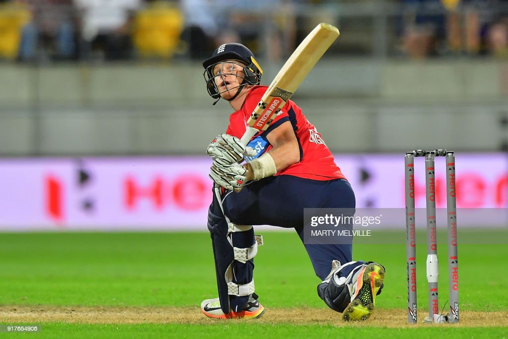 England's Sam Billings watches a ball get caught by New Zealand's Ish Sodhi during the first Twenty20 cricket match between New Zealand and England at Westpac Stadium in Wellington on February 13, 2018. / AFP PHOTO / Marty MELVILLE