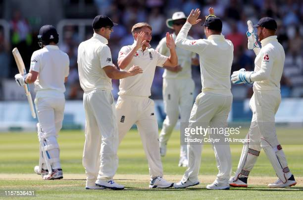 England's Sam Curran celebrates with his team mates after Ireland's William Porterfield is caught out during day one of the Specsavers Test Series...