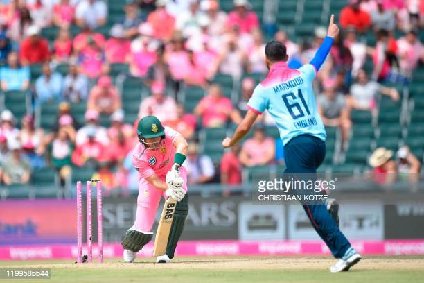England's Saqib Mahmood celebrates after he bowled South Africa's Reeza Hendricks during the third one day international cricket match between South...