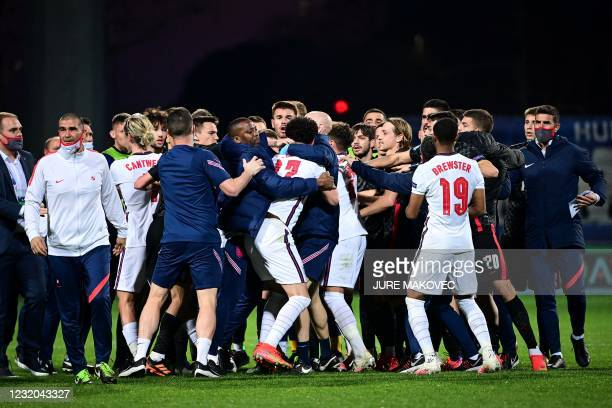 Englands Todd Cantwell, Curtis Jones, Max Aarons and Rhian Brewster scuffle with Croatia's players at the end of the UEFA Under21 Championship Group...