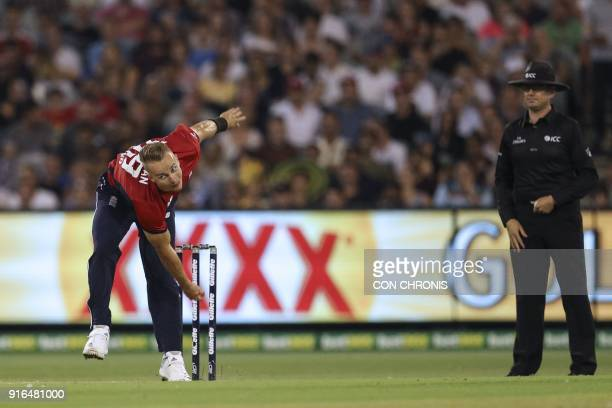 England's Tom Curran bowls during the Twenty20 International TriSeries cricket match between England and Australia at the MCG in Melbourne on...