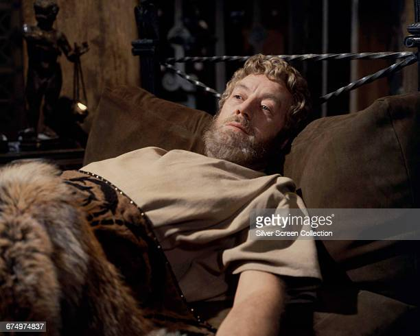 English actor Alec Guinness as the dying emperor Marcus Aurelius in the film 'The Fall of the Roman Empire' 1964