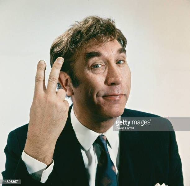 English actor and comedian Frankie Howerd giving a Vsign circa 1965