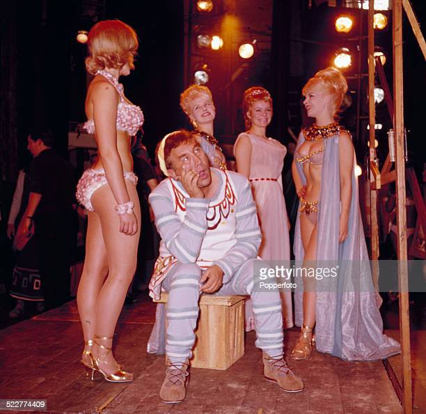 English actor and comedian Frankie Howerd pictured on stage with Isla Blair during rehearsals for the musical 'A Funny Thing Happened on the Way to...