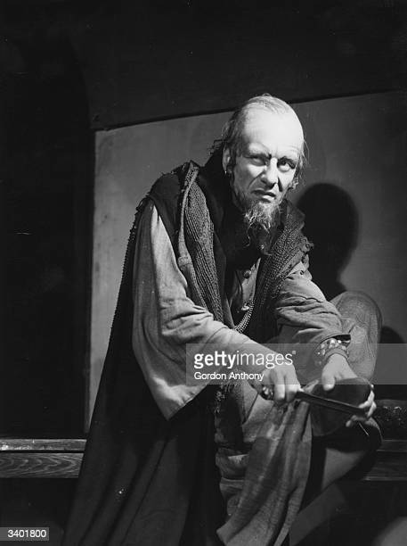 John Gielgud Pictures and Photos - Getty Images
