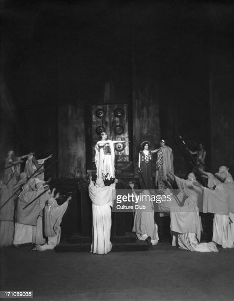 'Oedipus Rex' by Sophocles performed in Covent Garden Opera House January 15 1912 Production by Max Reinhardt with Sir John MartinHarvey as Oedipus...
