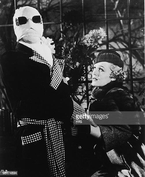 English actor Claude Rains plays the titular genius with Gloria Stuart as his fiancee in the film 'The Invisible Man' 1933