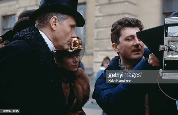 English actor James Fox as Karenin with director Bernard Rose on the set of the film 'Leo Tolstoy's Anna Karenina' 1997 The movie was filmed on...