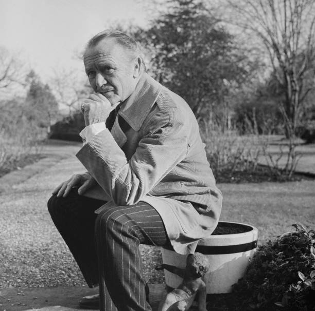 John Mills Pictures Getty Images