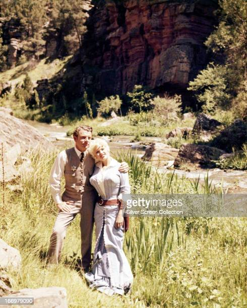 Kenneth More Imagens E Fotografias De Stock Getty Images