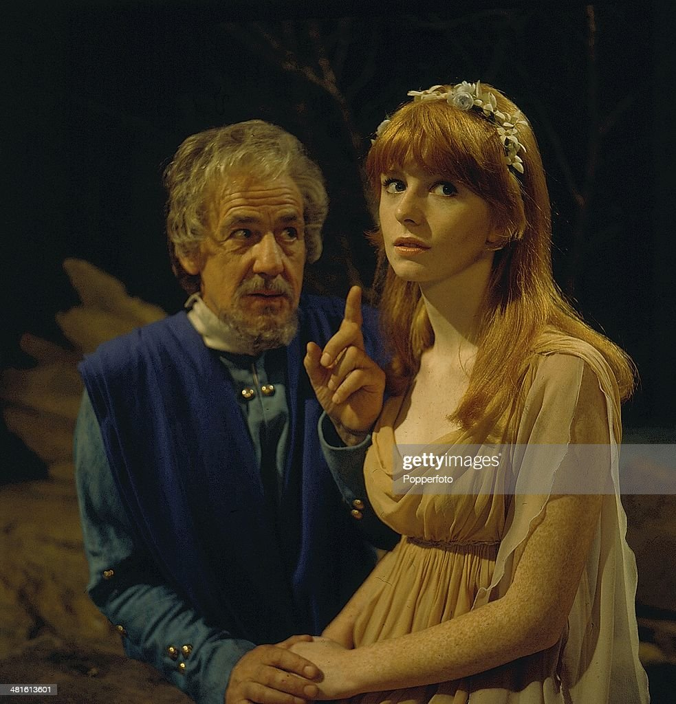 Jane Asher And Michael Hordern : News Photo