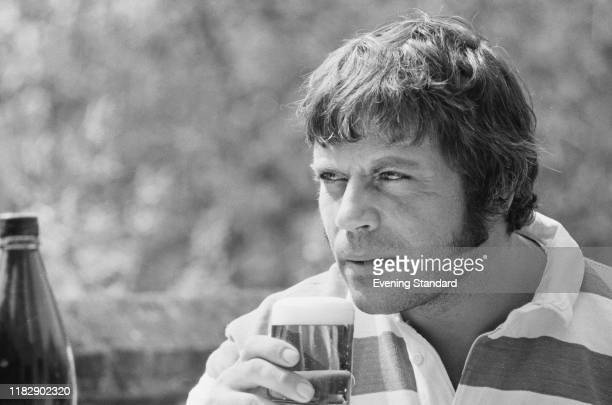 727 Oliver Reed Photos And Premium High Res Pictures Getty Images