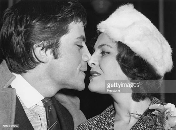 English actor Oliver Reed with his first wife, Kate Byrne, after their wedding at Kensington Register Office, London, 2nd January 1960.