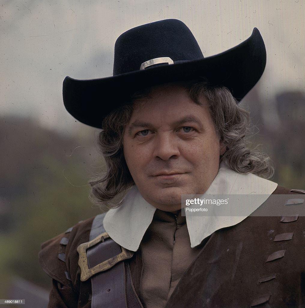 Patrick Wymark As Oliver Cromwell : News Photo