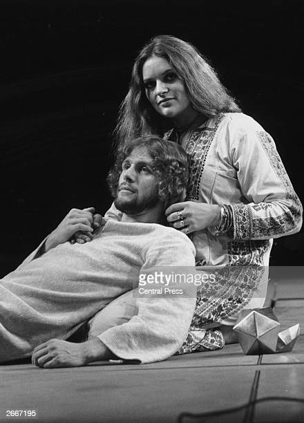 English actor Paul Nicholas as Jesus Christ and Dana Gillespie as Mary Magdalene in Andrew Lloyd Webber's musical 'Jesus Christ Superstar' which...