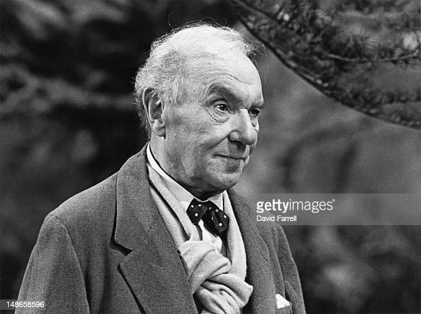 English actor Ralph Richardson appears in the David Storey play 'Early Days' circa 1981