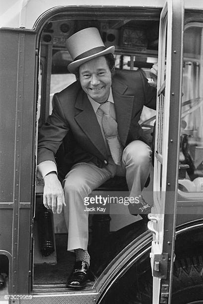 English actor Reg Varney from the television series 'On The Buses' attends the wedding of costar Bob Grant and Kim Benwell in London 1st October 1971