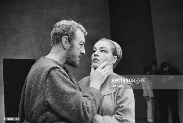 English actor Sir Alec Guinness as Macbeth and French actress Simone Signoret as Lady Macbeth during a rehearsal for Shakespeare's 'Macbeth' at the...