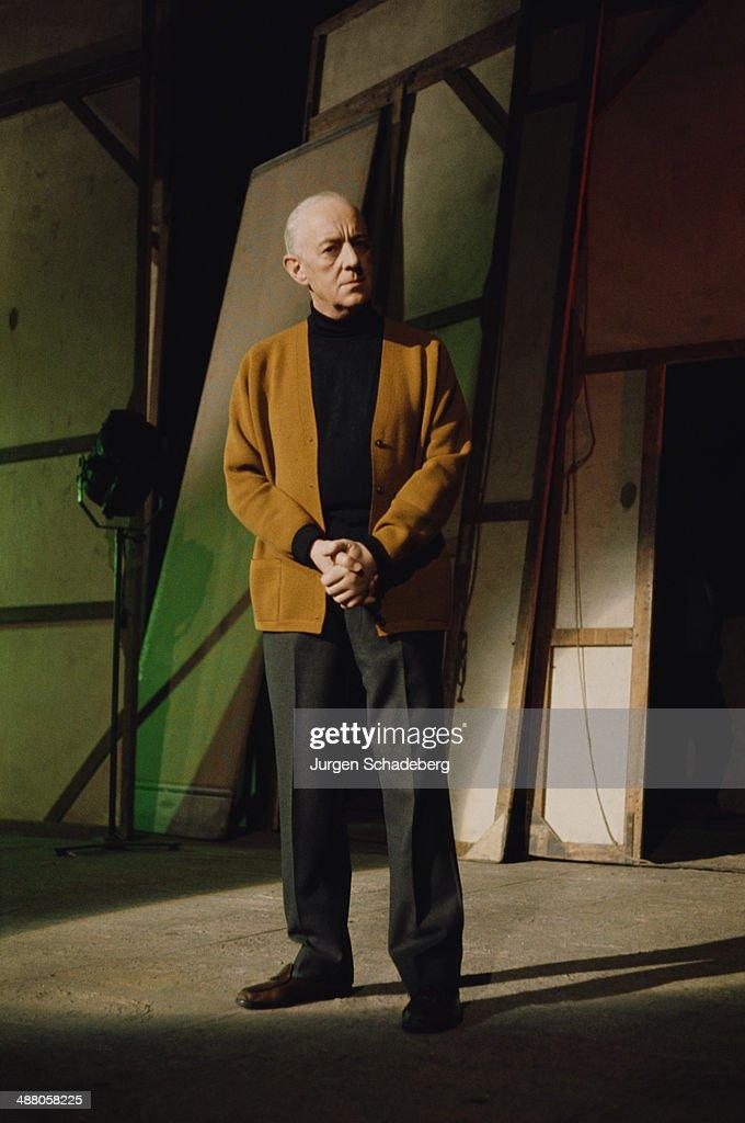 English actor Sir Alec Guinness (1914 - 2000), circa 1980.