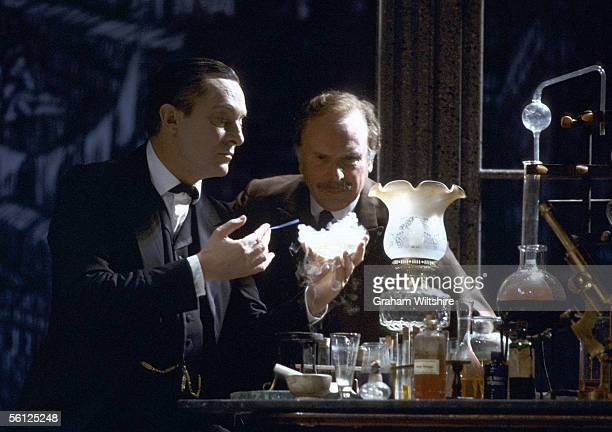 english actors jeremy brett and edward hardwicke as sherlock holmes and doctor watson in a stage
