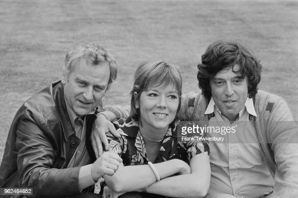 English actors John Thaw and Diana Rigg with Czechborn British playwright and screenwriter Tom Stoppard UK 25th September 1978 Thaw and Rigg are...