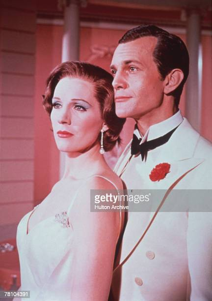 English actors Julie Andrews as Gertrude Lawrence and Daniel Massey as Noel Coward in the musical biopic 'Star' directed by Robert Wise 1968