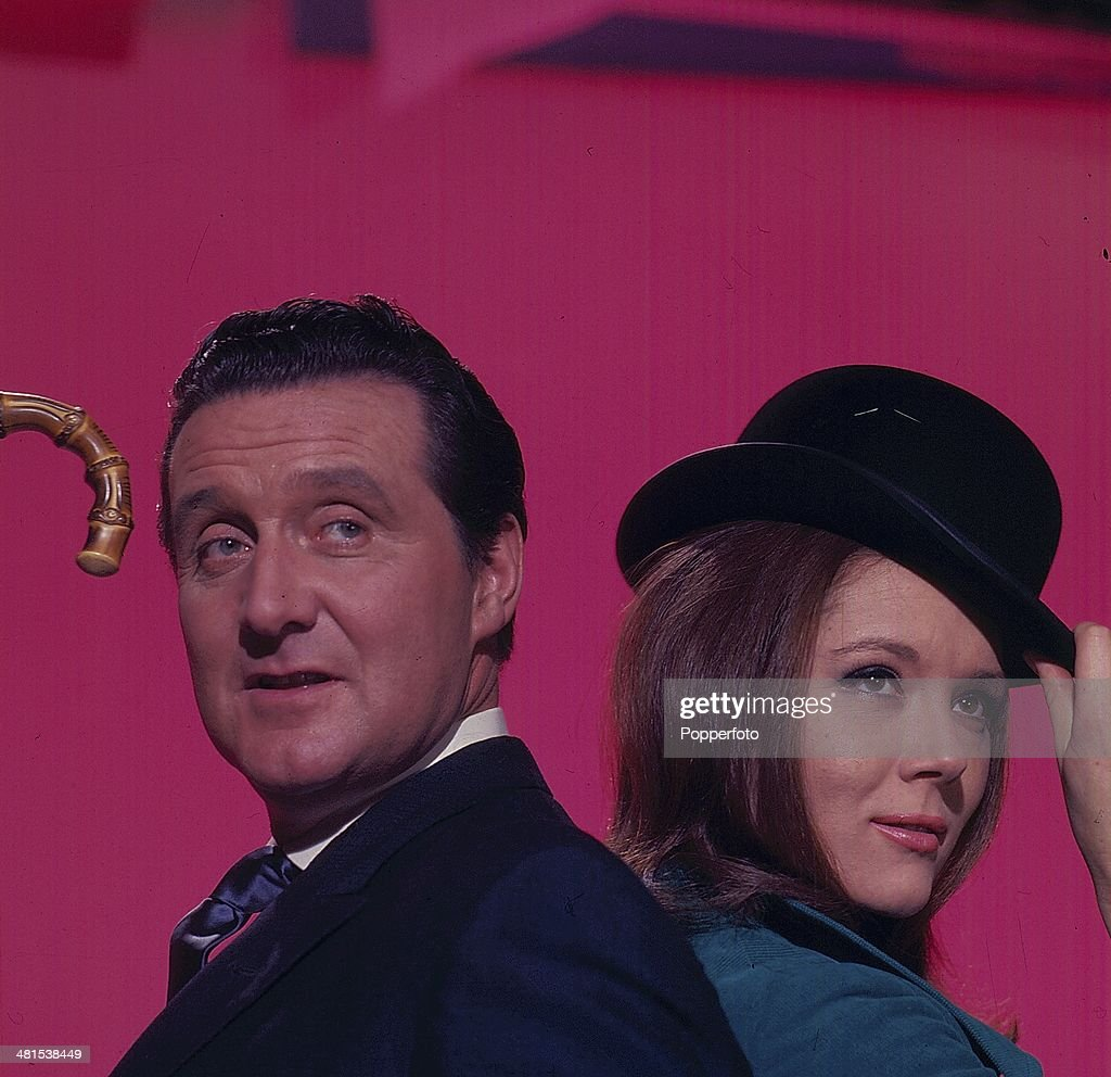 Steed And Emma Peel From The Avengers : Nachrichtenfoto