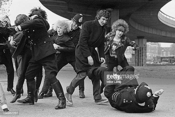 English actors Phil Daniels and Hazel O'Connor film a fight scene for the film 'Breaking Glass' UK 30th October 1979