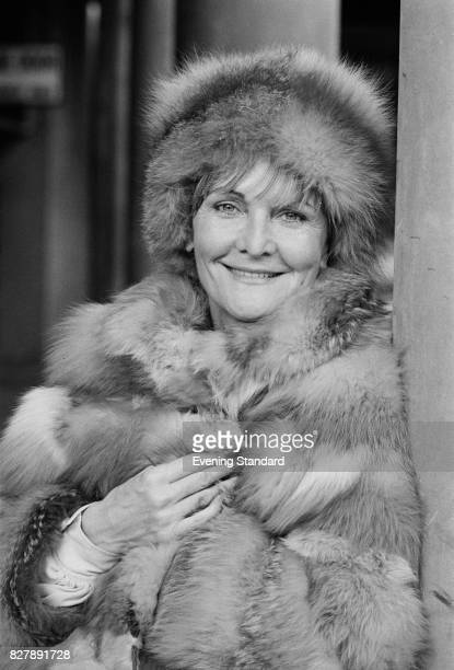 English actress and author Sheila Hancock wearing a fur coat and hat 10th January 1975
