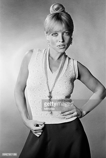 English actress and fashion model Susan Shaw