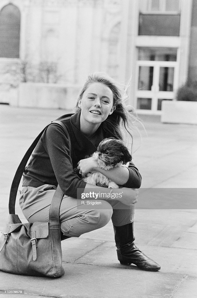 English actress and singer Patsy Kensit with her dog, 15th January 1984.