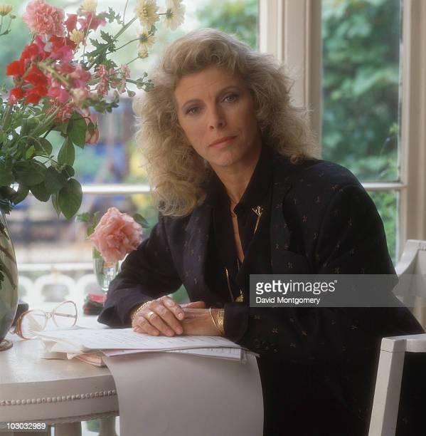 English actress Billie Whitelaw, circa 1975.