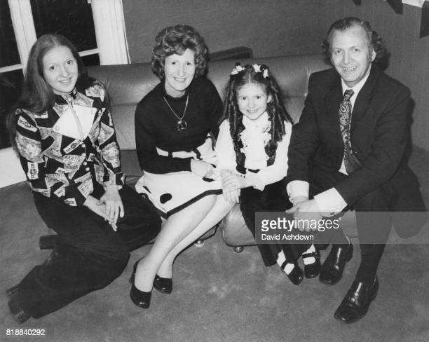 English actress Bonnie Langford with her mother Babette father Don and sister Patrina at a press reception in London 18th February 1974 Bonnie is to...