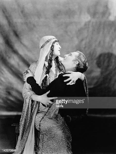 English actress Constance Collier as Queen Gertrude and John Barrymore as the titular prince in Barrymore's production of 'Hamlet' at the Haymarket...