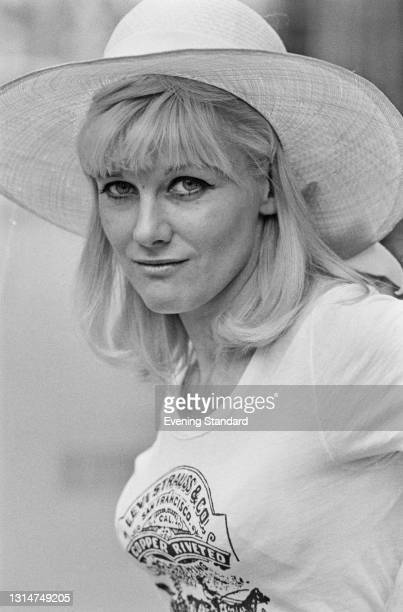 English actress Deirdre Costello wearing a Levi Strauss & Co t-shirt, UK, 23rd May 1974.