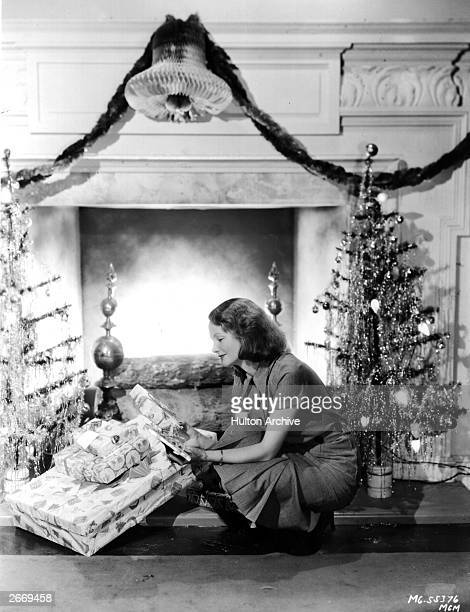 English actress Elizabeth Allan in a scene from 'Christmas Parcels'