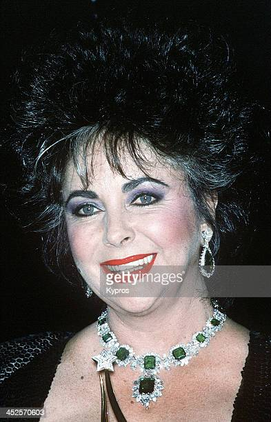 English actress Elizabeth Taylor wearing her emerald and diamond Bulgari necklace circa 1986