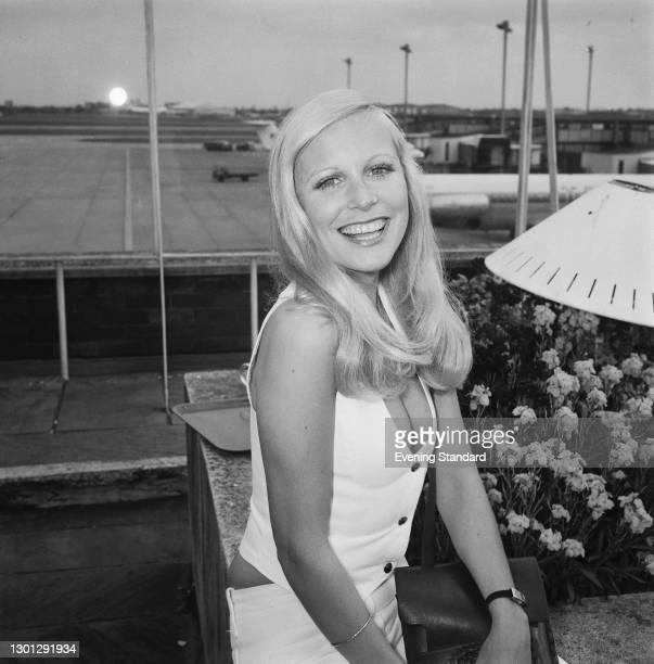 English actress Felicity Devonshire, UK, 16th May 1973.